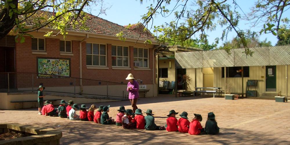 小学校・体育・運動場・オーストラリア小学生